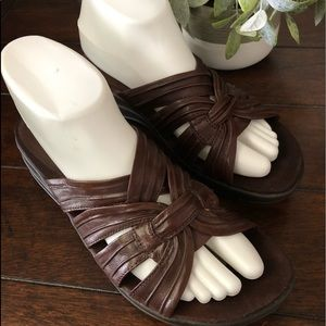 BARE TRAPS Sandals Leather Brown Slip On NWT 070